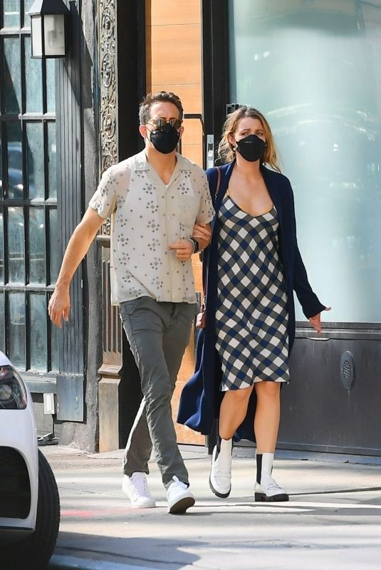 BLAKE LIVELY and  Ryan Reynolds Out in New York 09/27/2021