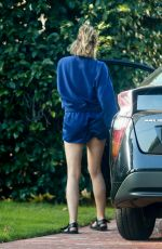 ELIZABETH OLSEN Out and About in Los Angeles 09/14/2021