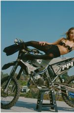 EMMA CHAMBERLAIN at a Photoshoot, September 2021)