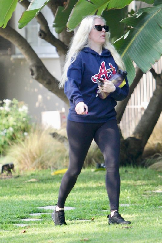 ERIKA JAYNE Heading to a Personal Trainer in Beverly Hills 09/20/2021