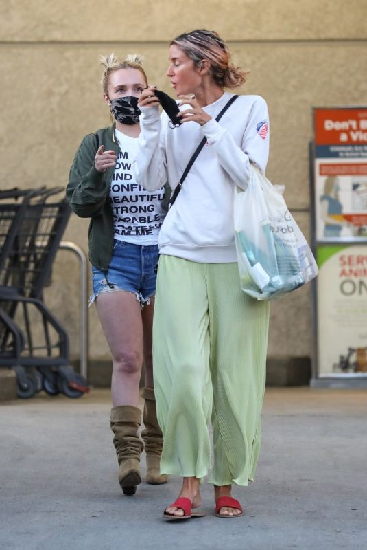 HAYDEN PANETTIERE with a Friend at a Grocery Store in Brentwood 09/18/2021