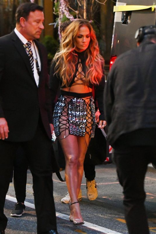 JENNIFER LOPEZ Heading to MTV VMA's in New York 09/12/2021
