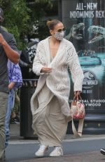 JENNIFER LOPEZ Out and About in Los Angeles 09/23/2021