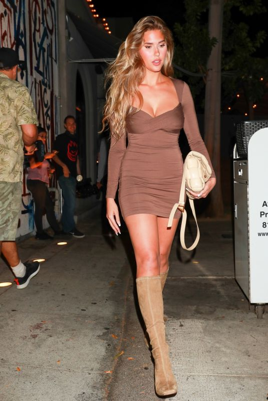 KARA DEL TORO Out for Dinner at Craig's in West Hollywood 09/20/2021