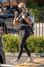 KHLOE KARDASHIAN Out and About in Woodland Hills 09/13/2021