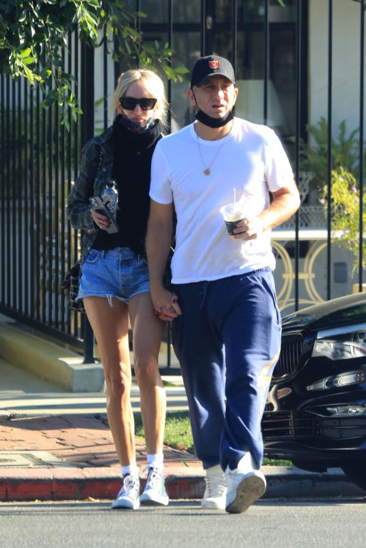 KIMBERLY STEWART and Jesse Shapira Out in West Hollywood 09/04/2021