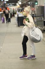 MAISIE WILLIAMS at LAX Airport in Los Angeles 09/17/2021