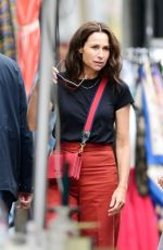 MINNIE DRIVER Shopping for Antiques at Golborne Road in Notting Hill 09/04/2021