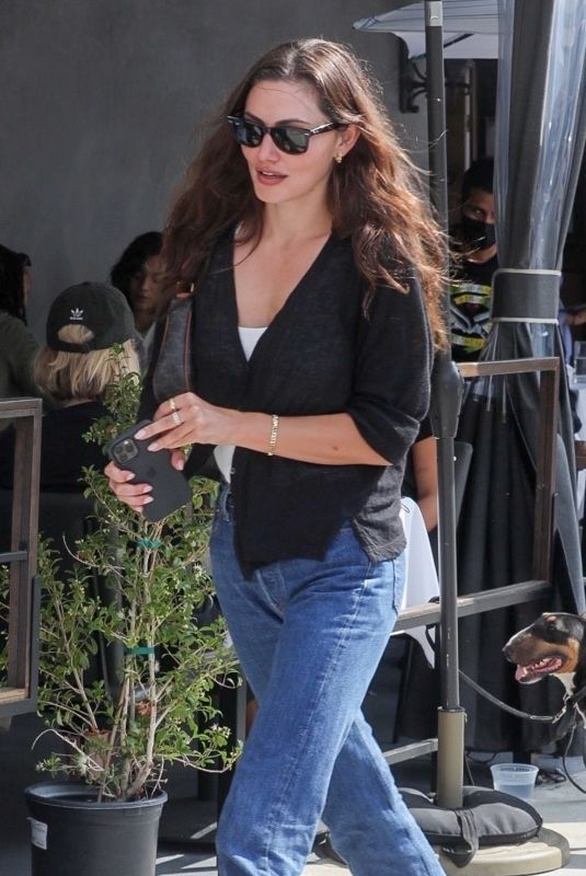PHOEBE TONKIN Out for Lunch in West Hollywood 09/28/2021