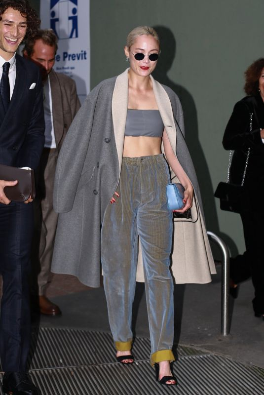 POM KLEMENTIEFF Arrives at Giorgio Armani Fashion Show in Milan 09/25/2021