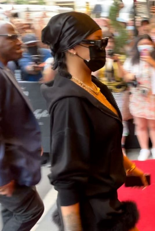 RIHANNA Arrives at Hotel Carlyle in New York 09/13/2021