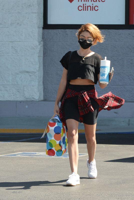 SARAH HYLAND Leaves CVS Pharmacy in Los Angeles 09/15/2021