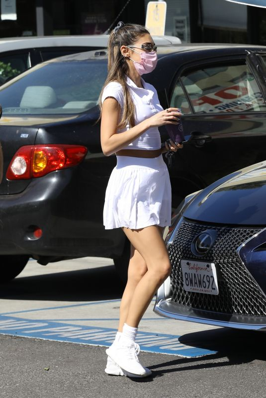 CHANTEL JEFFRIES Out for a Juice in West Hollywood 10/20/2021