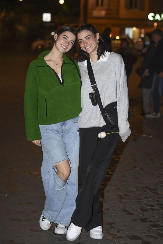 DIXIE and CHARLI D'AMELIO Out for Dinner with Family at Dar Bolognese Restaurant in Rome 10/10/2021