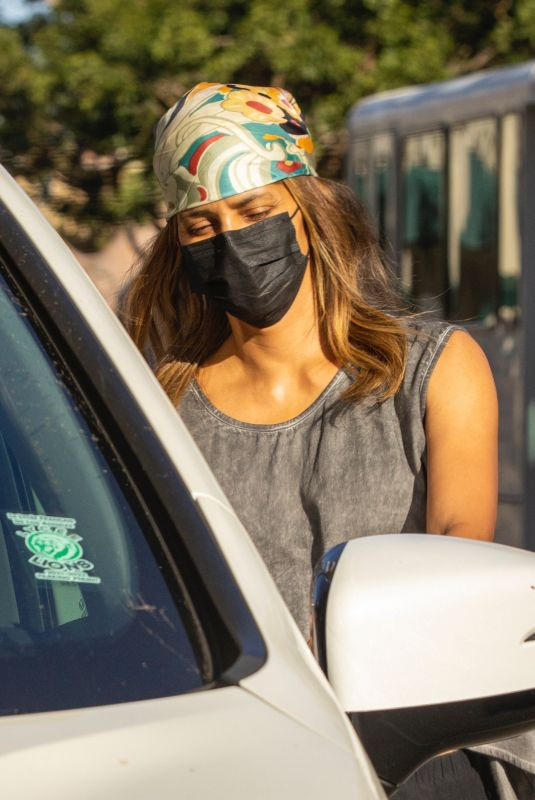 HALLE BERRY Leaves a Office in Beverly Hills 10/12/2021