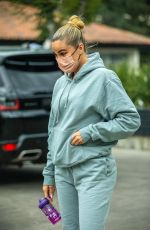 KHLOE KARDASHIAN Takes Her Daughter at Dance Class in Los Angeles 10/04/2021