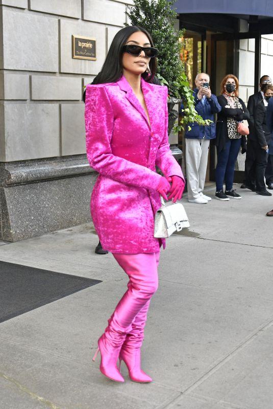 KIM KARDASHIAN Leaves Ritz Carlton Hotel for Saturday Night Live Rehearsals in New York 10/07/2021