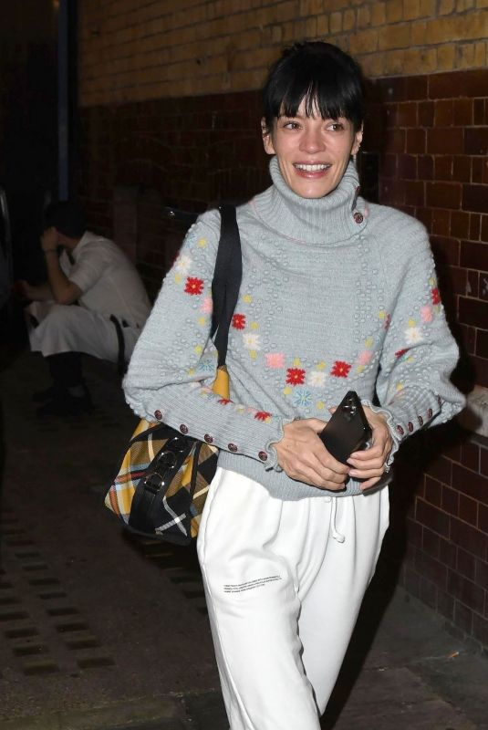 LILY ALLEN Leaves 2:22 A Ghost Story at Noel Coward Theatre in London 10/12/2021