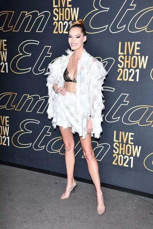 MAEVA COUCKE at Etam Womenswear Spring/Summer 2022 Fashion Show in Paris 10/04/2021