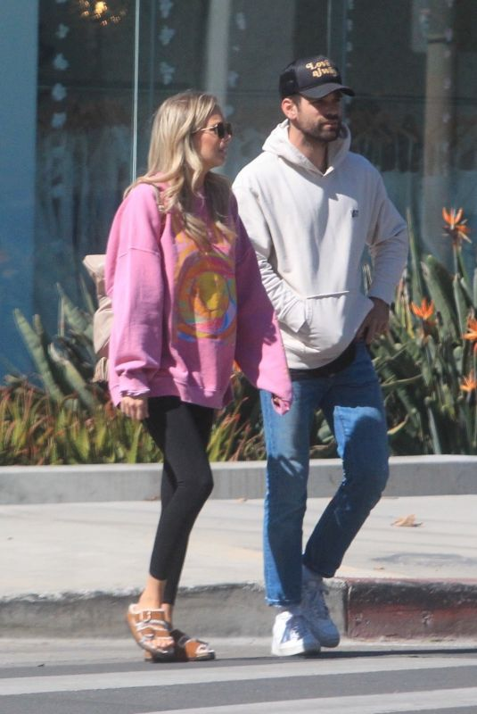 MELISSA ORDWAY and Justin Gaston Out for Lunch in Hollywood 10/12/2021
