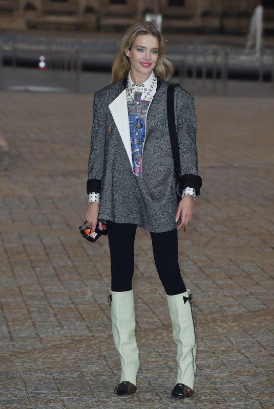 NATALIA VODIANOVA at Louis Vuitton Womenswear Spring/Summer 2022 Show at Paris Fashion Week 10/05/2021