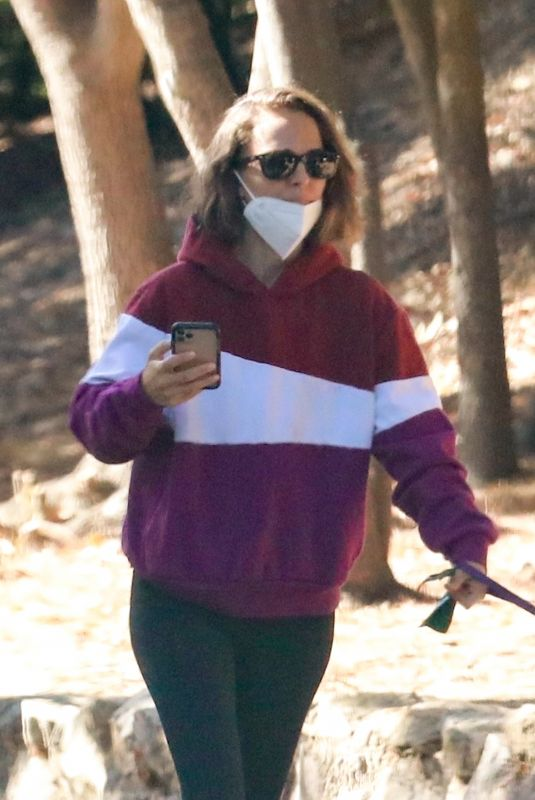 NATALIE PORTMAN Out Hiking in Los Angeles 10/19/2021