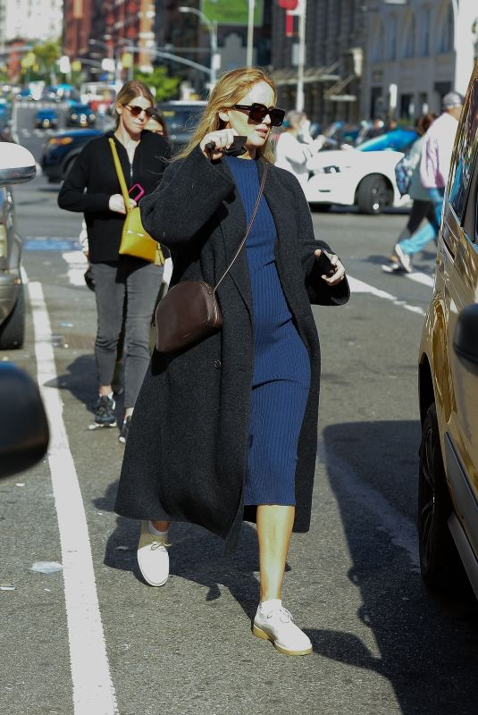 Pregnant JENNIFER LAWRENCE Out in New York 10/17/2021