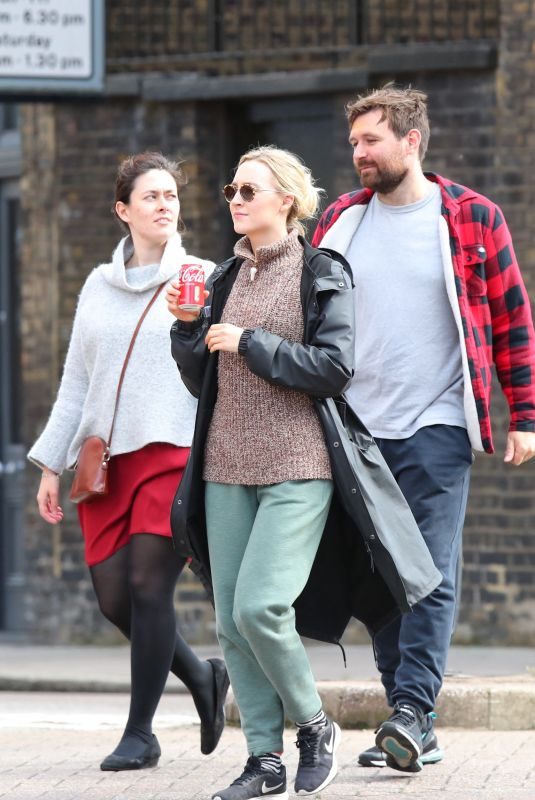 SAOIRSE RONAN Out with Friends in London 09/29/2021